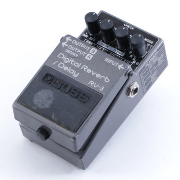 Boss RV-3 Digital Reverb / Delay Guitar Effects Pedal P-04570