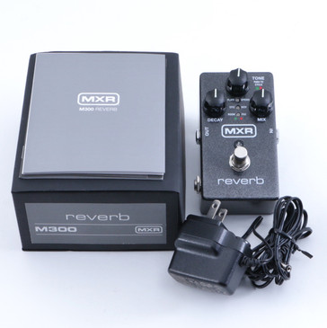 MXR M300 Reverb Guitar Effects Pedal & Power Supply P-04653