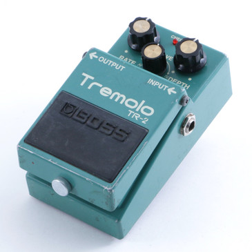 Boss TR-2 Tremolo Guitar Effects Pedal P-04698