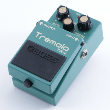 Boss TR-2 Tremolo Guitar Effects Pedal P-04720
