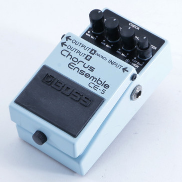 Boss CE-5 Chorus Ensemble Guitar Effects Pedal P-04981