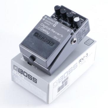 Boss RV-3 Digital Reverb / Delay Guitar Effects Pedal w/ Box P-05037