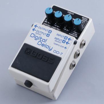 Boss DD-7 Digital Delay Guitar Effects Pedal P-05250
