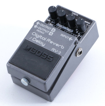 Boss RV-3 Digital Reverb / Delay Guitar Effects Pedal P-05486