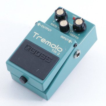 Boss TR-2 Tremolo Guitar Effects Pedal P-05627