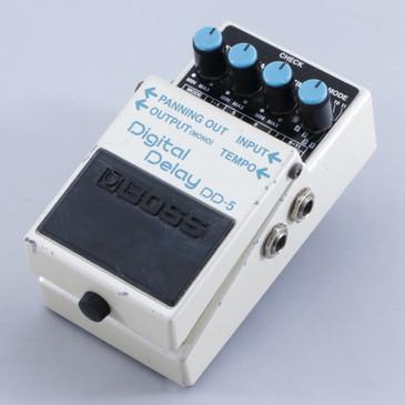 Boss DD-5 Digital Delay Guitar Effects Pedal P-05636