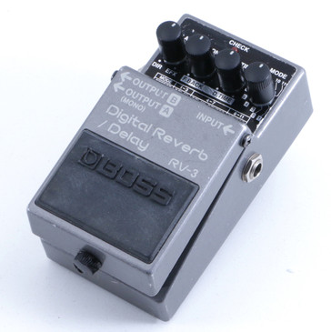 Boss RV-3 Digital Reverb / Delay Guitar Effects Pedal P-05791