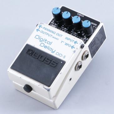 Boss DD-5 Digital Delay Guitar Effects Pedal P-06274