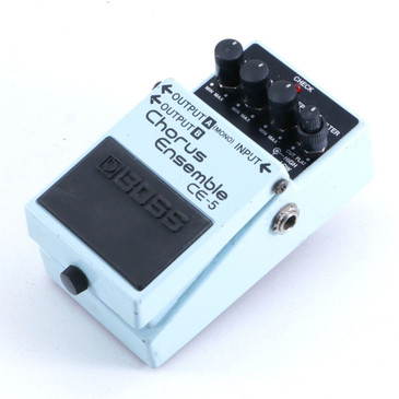 Boss CE-5 Chorus Ensemble Guitar Effects Pedal P-06390