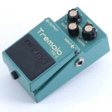 Boss TR-2 Tremolo Guitar Effects Pedal P-06420