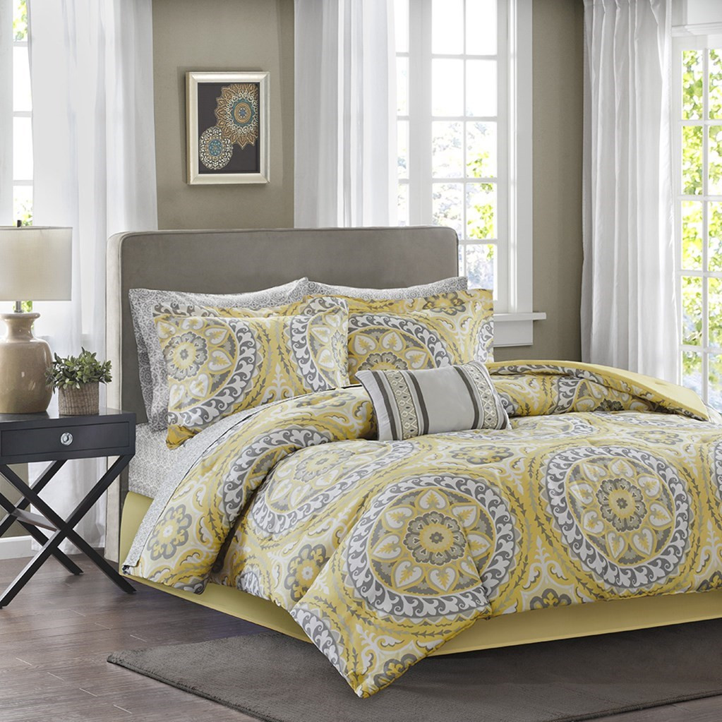 yellow grey oversize medallions comforter set and matching sheet set serenity yellow. Black Bedroom Furniture Sets. Home Design Ideas