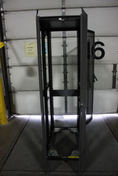 """Genuine HP AD520A Server Cabinet Case 6' Tall X 2' Wide X 3'2"""" Deep Front & Rear Opening EVA8000 266D 60Hz 42U"""