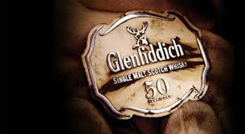 916 XA26  -  Christmas Tidings  -  contains 12 yr old Glenfiddich Scotch