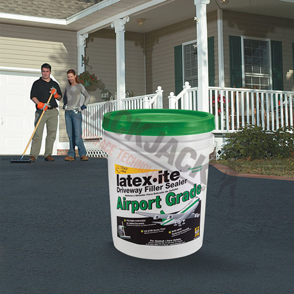 Latex-ite® Airport Grade Tarmac Sealer Driveway Renovator Applied