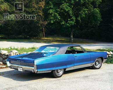 1966 pontiac grand prix hardtop coupe poster gmphotostore. Black Bedroom Furniture Sets. Home Design Ideas