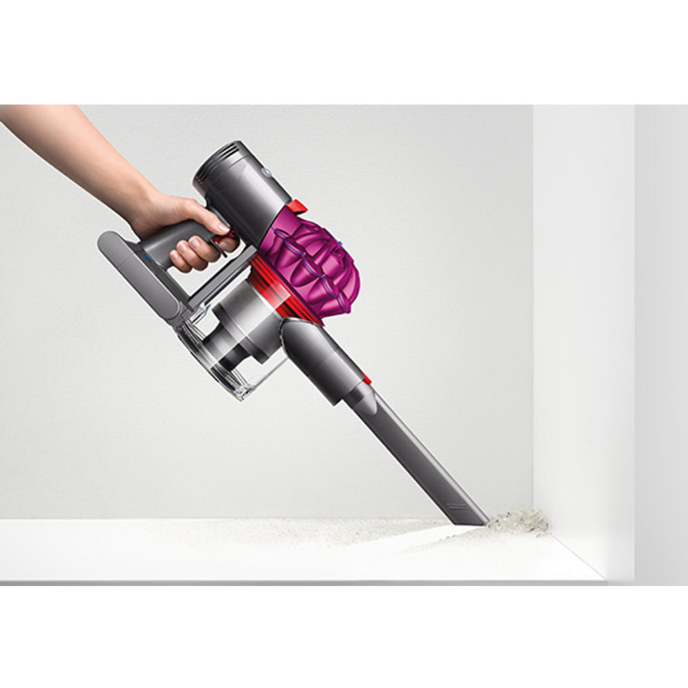 Dyson V7 Cordless Crevice Cleaning