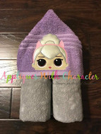 LOL Kitty Queen Doll Peeker Applique Design