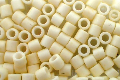 8/0 Matte Cream Delica dbl-0352-tb