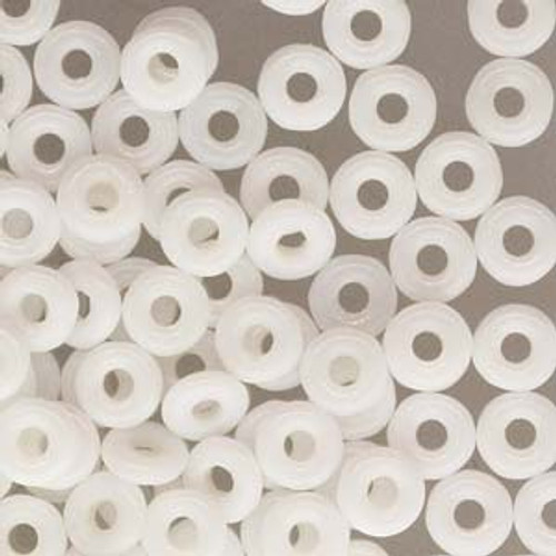 Chalk White O Beads 8966