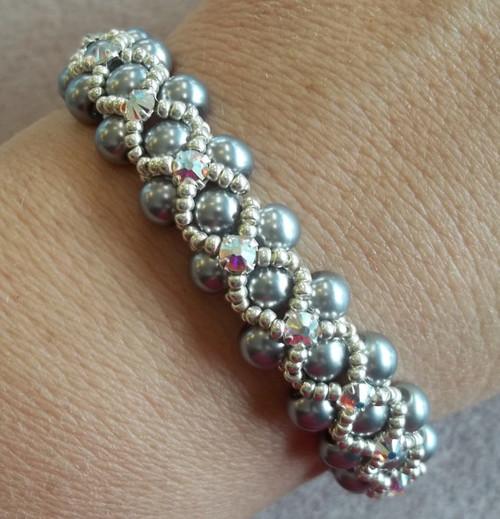Montee Embellished Pearl Bracelet Pattern