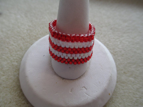 Candy Cane Stripe Peyote Stitch Ring (Graph) Tutorial