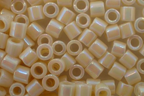 8/0 Cream AB Delica dbl-0157-tb