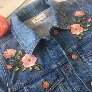 TR00147-MLT-OS-R -RIGHT Pink Flower Patch - Embroidered Iron On Patches - Wildflower Co