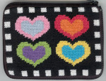 APSZ160 CREDIT CARD  And COIN case Alice Peterson Stitch And Zip Hearts on Black