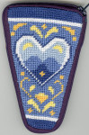 APSZ912 Blue & White Hearts scissor Alice Peterson Stitch And Zip