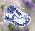 MH181101 Mill Hill Seasonal Ornament Kit Blue Sneaker (2011)