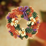 MH187206 Mill Hill Seasonal Ornament Kit Fall Wreath (2007)