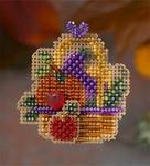 MH186204 Mill Hill Seasonal Ornament / Pin Kit Autumn Bounty (2006)