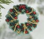MH186303 Mill Hill Seasonal Ornament / Pin Kit Holly Wreath (2006)