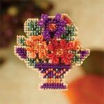 MH187202 Mill Hill Seasonal Ornament / Pin Kit Mum Bouquet (2007)