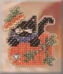 MHAH63 Mill Hill Seasonal Ornament / Pin Kit Black Kitty Magic (2004)