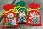 "PNV155943 Vervaco Kit Christmas Owls  Set of 3 bags, red and green.; 3.2"" x 4.8""; Aida"