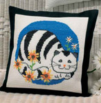 929182 Permin Cat w/flowers Pillow