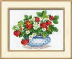 RL870 Riolis Cross Stitch Kit Basket of Strawberries