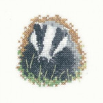 HCK1115A Heritage Crafts Badger Little Friends  Little Friends Collection by Susan Ryder