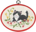 "925825 Permin Kit Black Cat in Flowers  5.2"" x 7.2""; Ecru Aida; 11ct Flexi frame included"