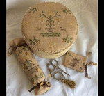 MDD-AFSB Antique Flowers Shaker Box with Accessories Mani Di Donna