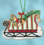 MH161733 Toyland (2017)) Sleigh Ride Mill Hill Kit Charmed Ornament Kit