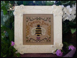 08-2114 Queen Bee by Little House Needleworks