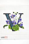 AO1052 Lee's Needle Arts Letter V, Violet 16 Mesh