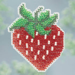MH183106 Mill Hill Seasonal Ornament / Pin Kit ALL BEADED Strawberry (2013)