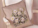 "77014400 Eva Rosenstand  Embroidery Kit Daisy Pillow 14"" x 14""; Linen; 26ct"