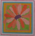 182 NEEDLEDEEVA 2.6 x 2.6 18 Mesh Mini Tropical Daisy