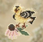 MH180103 Mill Hill Seasonal Ornament / Pin Kit Goldie Finch (2010)