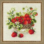"RL1449 Riolis Cross Stitch Kit Garden Strawberry 11"" x 11""; Aida; 10ct"