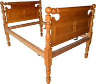 17019 Period Country Bird's Eye Maple Cannon Ball Bed
